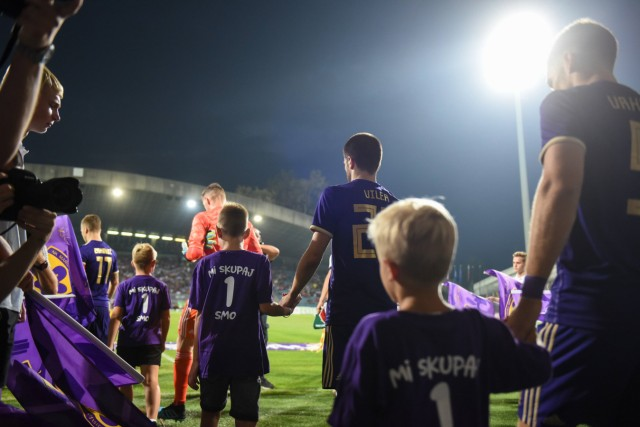 August 29 2019 Maribor Slovenia Players attend on the pitch before the UEFA Europa League play o; Spieler von NK Maribor