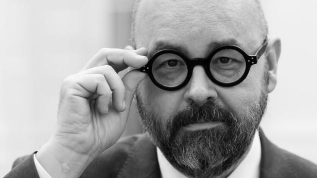 Der Schriftsteller Carlos Ruiz Zafon 2017 in Hamburg