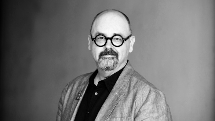 Portrait of Carlos Ruiz Zafon 13 09 2017 PUBLICATIONxINxGERxSUIxAUTxHUNxONLY Copyright LeonardoxCen