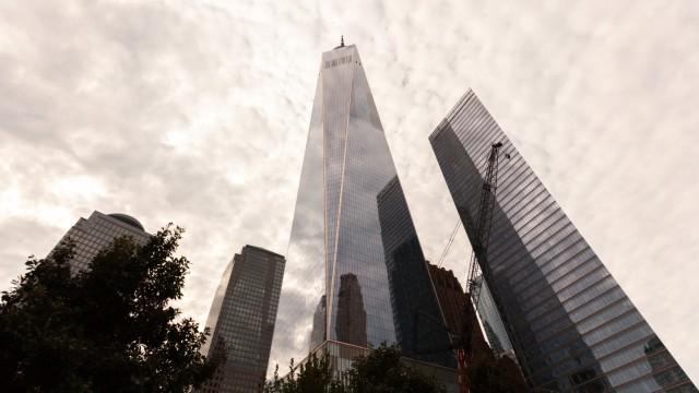 View of One World Trade Center Copyright: PabloxCamacho B33404340