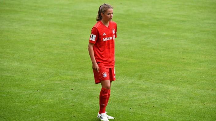 LEUPOLZ Melanie (FC Bayern 8) ; FC Bayern München Frauen vs TSG 1899 Hoffenheim am 30.05.2020 in München FC Bayern Camp