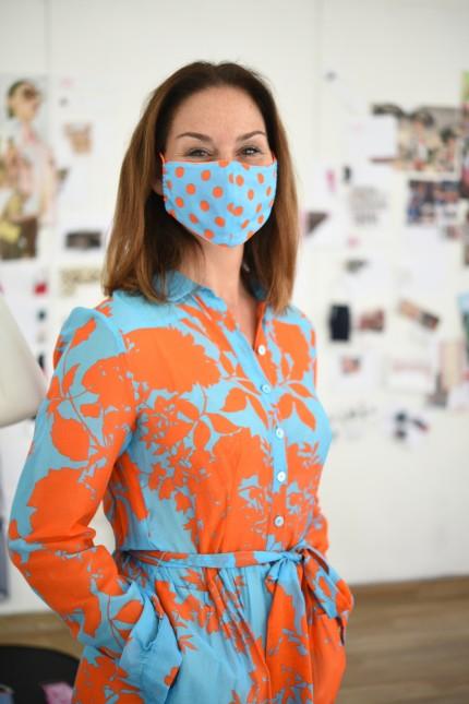 """Rieke Common vom """"Maison Common"""" in München designt Stoffmasken in der Corona-Krise, 2020"""