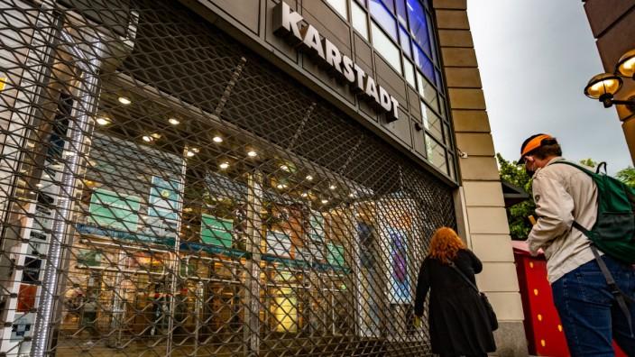 Galeria Karstadt Kaufhof schließt Bundesweit Filialen, Bilder der geschlossenen Karstadt Filiale am Tempelhofer Damm. V