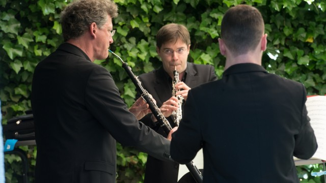 Musiker von Links: Tobias Vogelmann , Ramón Ortega Quero, und  Jesús Pinillos Rivera,(von hinten) ,
