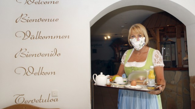 Claudia Aumiller Jakl-Hof Wörthsee Frühstück Coronavirus