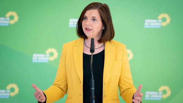 Grüne: Alle Corona-Hilfen auf Geschlechter-Gerechtigkeit prüfen