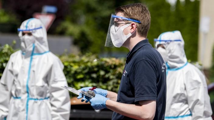 Coronavirus in NRW: Mobile Testteams in Rheda-Wiedenbrück