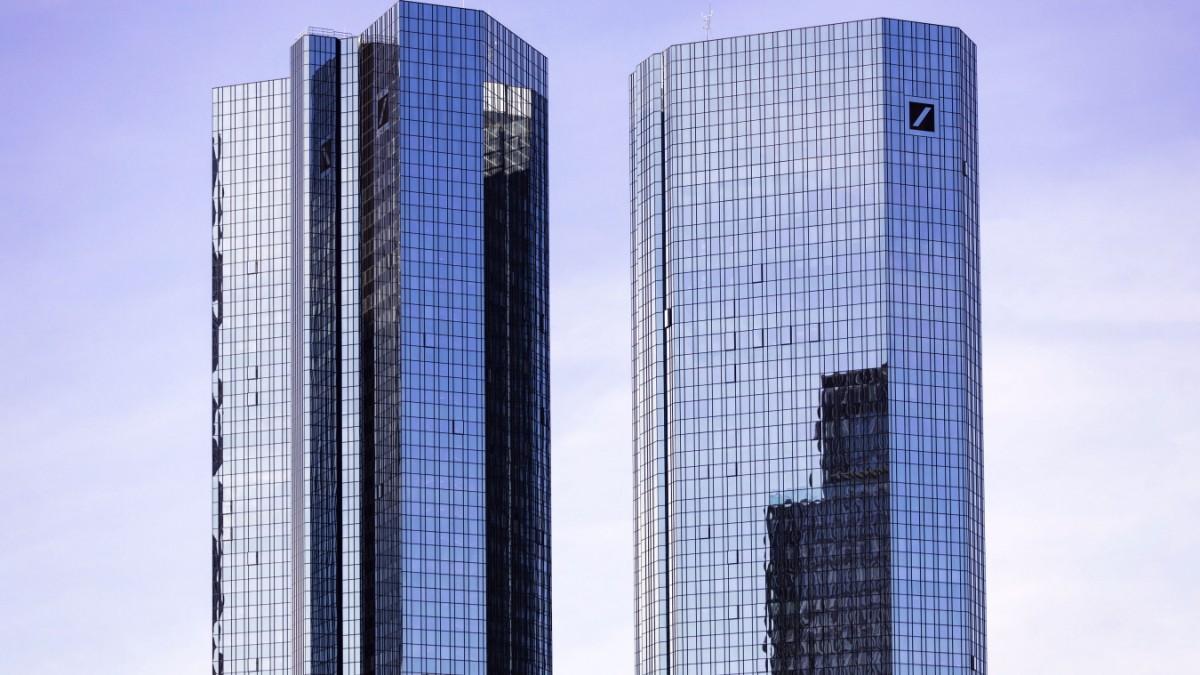 Nachhaltigkeit:Deutsche Bank setzt künftig auf die Bahn