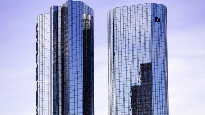 Der Deutsche Bank Tower in der Bankencity. Frankfurt, 25.09.2019 *** The Deutsche Bank Tower in the Bankencity Frankfur