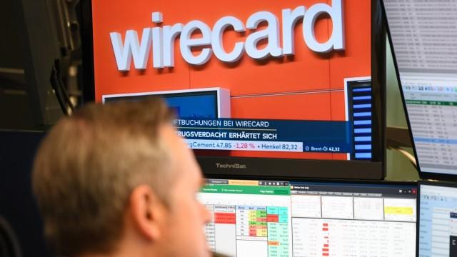 Wirecard in den Nachrichten auf einem Monitor an der Börse Frankfurt