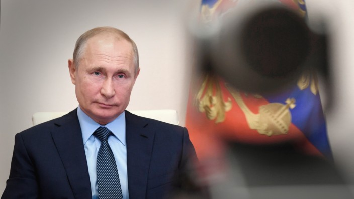 Russland: Die Verfassungsreform würde Wladimir Putin jetzt sechs Amtszeiten erlauben. Jeden anderen Präsidenten beschränkt die Verfassung auf zwei Amtszeiten.