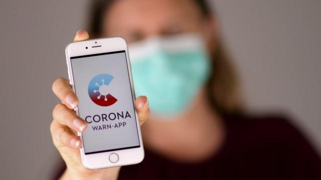16.06.2020, Ab heute im App-Store: Die neue offizielle Warn-App im Kampf gegen das Coronavirus (Corona-Warn-App) auf ei