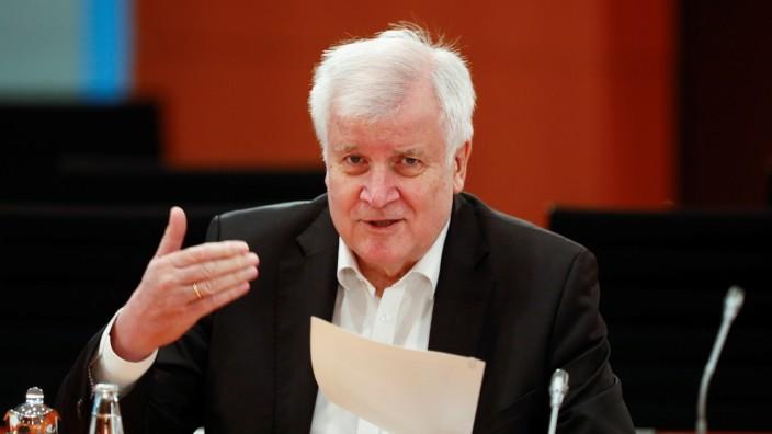 Weekly cabinet meeting in Berlin