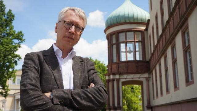 Der Historiker Peter Oliver Loew ist Direktor des Deutschen Polen-Instituts in Darmstadt.
