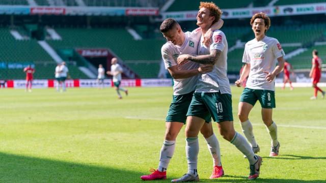 Werder Bremen: Milot Rashica und Joshua Sargent jubeln gegen den 1.FC Köln