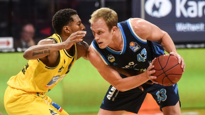 Basketball Bundesliga - Final Second Leg - MHP Riesen Ludwigsburg v Alba Berlin