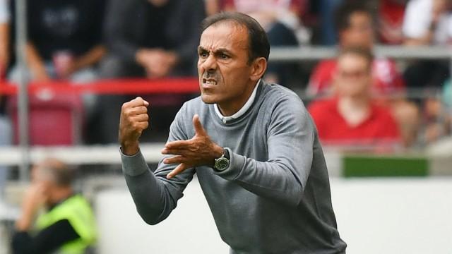 17 08 2019 xmhx Fussball 2 Bundesliga VfB Stuttgart FC St Pauli emspor v l Jos Luhukay Tra