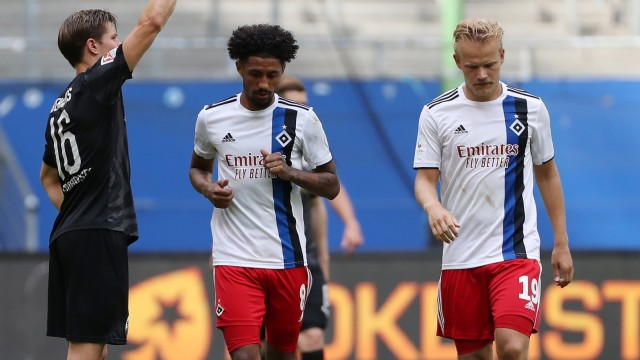 Hamburger SV: HSV-Spieler Jeremy Dudziak and Joel Pohjanpalo gegen Sandhausen