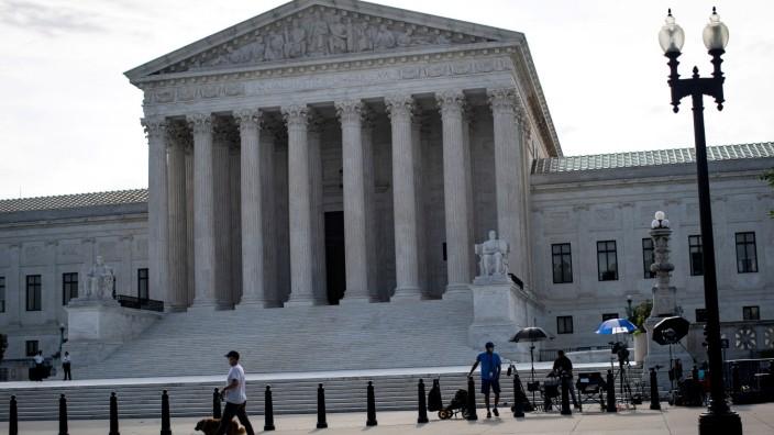 FILE PHOTO: General view of U.S. Supreme Court in Washington