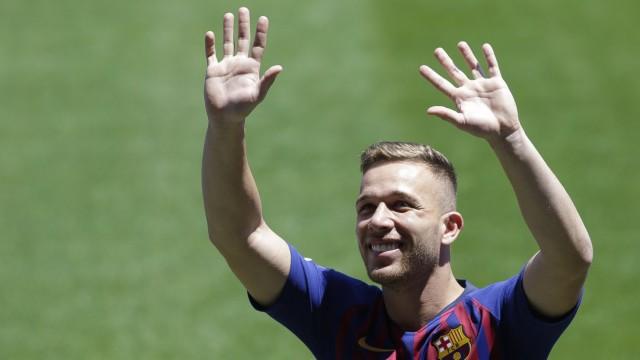 FC Barcelona: Arthur bei seiner Vorstellung 2018 in Camp Nou