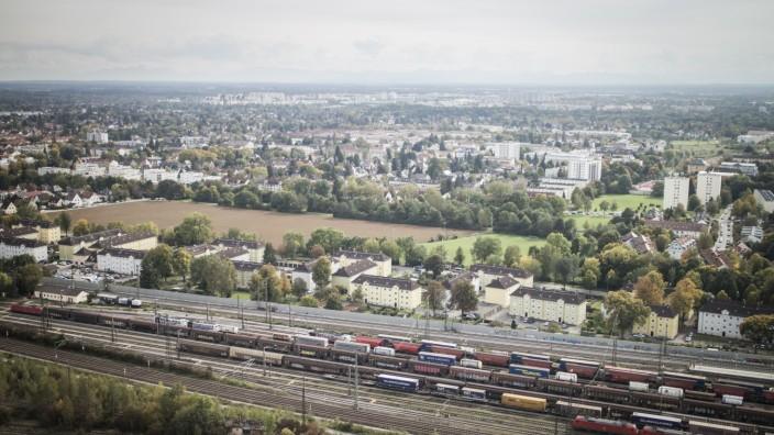 Blick über Berg am Laim und Neuperlach in München, 2017