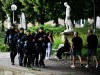 Jugendliche im Schlossgarten. Eine Woche nach der Krawallnacht in Stuttgart. Abendsstimmung am Eckensee und auf der Kön