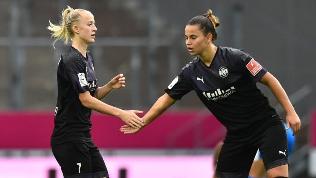 17.06.2020 - Fußball, Frauen Bundesliga, 2019/2020, 20. Spieltag, SGS Essen - 1. FFC Frankfurt: Torjubel zum 1:1 durch (