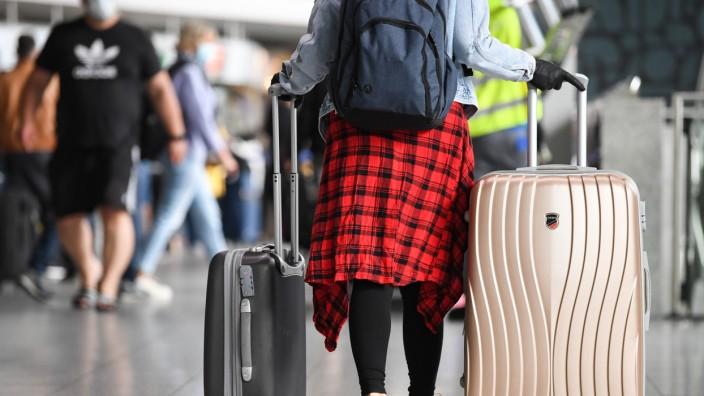 Risikogebiet: Bei Quarantäne nach Urlaubsreise droht Lohnausfall