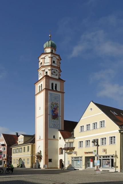 Lenbachstraße mit Frauenkirche Schrobenhausen Oberbayern Bayern Deutschland Europa Copyright i