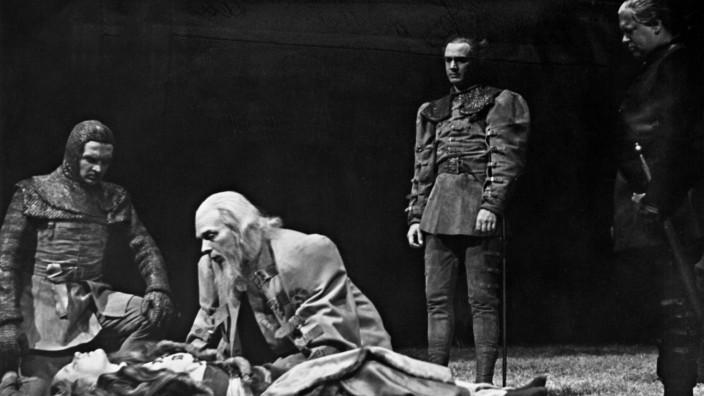 Szene aus Shakespeares 'King Lear', 1940   Scene from Shakespeare's 'King Lear,' 1940