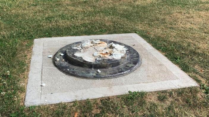 USA: An dieser Stelle stand die Statue von Frederick Douglass.