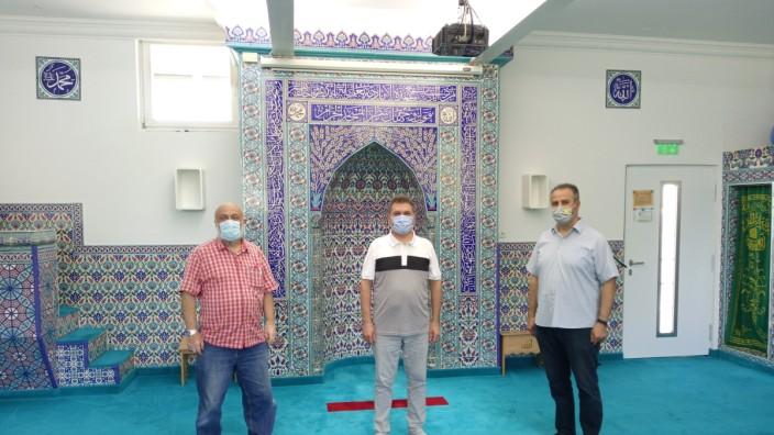 Moschee Markt Schwaben, Corona, Halil Demir (Vorstand), Atif Bigili (Imam), Tayfur Özbasaran (Vorstandsmitglied)