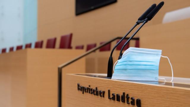 AfD kündigt Klage gegen Maskenpflicht für Abgeordnete im Landtag