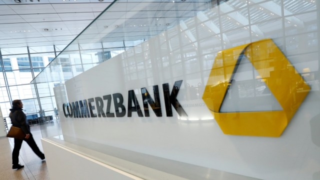 FILE PHOTO: Commerzbank AG annual results news conference in Frankfurt