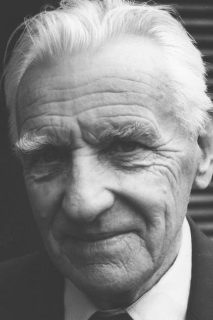 Geschichte: Tadeusz Biernacki hat das Grauen im KZ Dachau überlebt. Der polnische Häftling musste Malariaversuche über sich ergehen lassen und bei Messerschmidt Zwangsarbeit leisten.