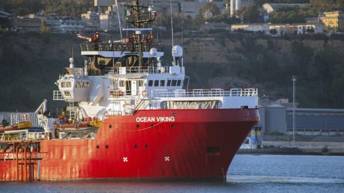 """´Ocean Viking"""" fährt mit 180 Migranten in Hafen in Sizilien"""