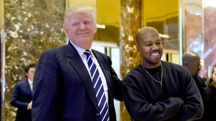 US-Präsidentschaftswahl: Vor vier Jahren waren Donald Trump und Kanye West noch ein Herz und eine Seele, jetzt sind sie Konkurrenten.