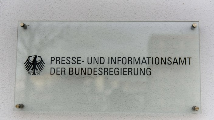 Berlin, Schild Bundespresseamt Deutschland, Berlin - 06.01.2020: Im Bild ist das Schild des Presse- und Informationsamt