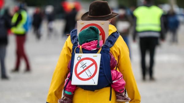 Protestkundgebung Initiative 'Querdenken' - Impfgegner