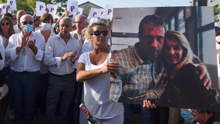 Busfahrer in Frankreich nach Angriff gestorben