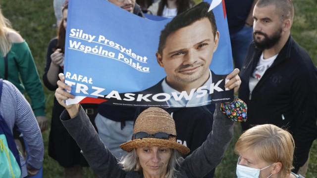 Präsidentschaftswahl in Polen 2020: Anhängerin von Rafal Trzaskowski
