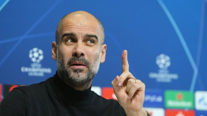 Sport Bilder des Tages Manchester City press conference PK Pressekonferenz Pep Guardiola during the Manchester City pre