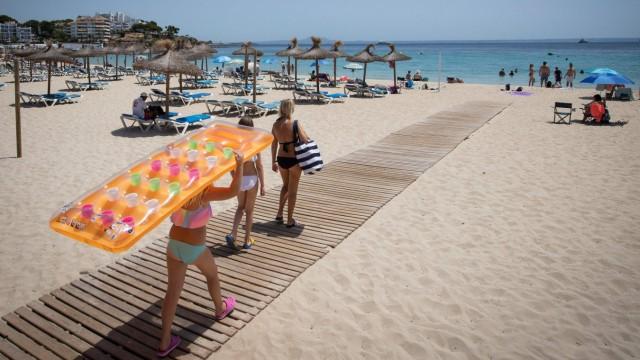 Corona Reise Reisen Urlaub Sommer 2020 Mallorca Ballermann Maske Maskenpflicht