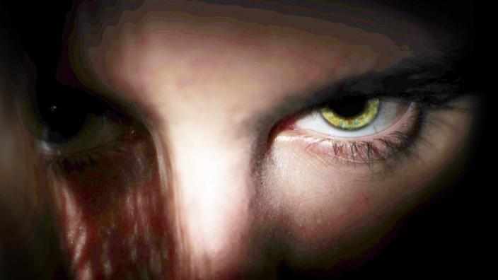 Narzissmus: Was versprechen sich narzisstische Menschen davon, Mitleid zu erregen?