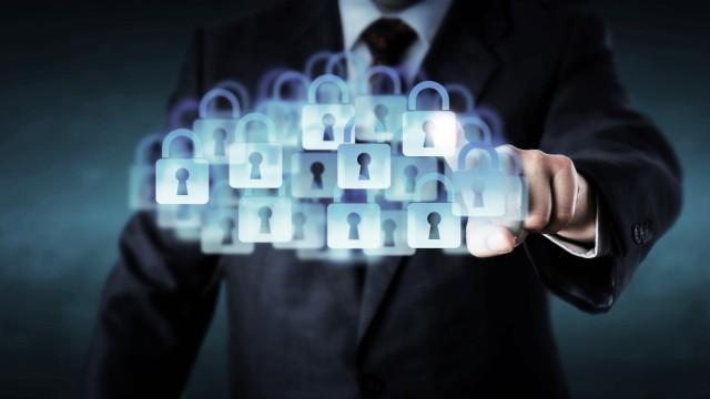 Manager Touching A Super Secure Cloud PUBLICATIONxINxGERxSUIxAUTxONLY Copyright xLeoWolfertx Panthe