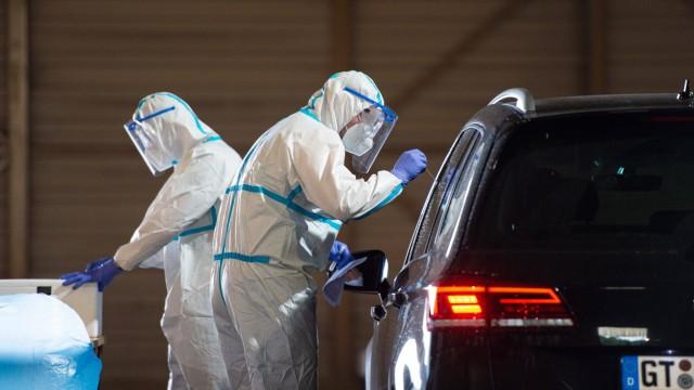 28.06.2020 - Coronavirus - Coronatests am Flughafen Gütersloh: Zahlreiche Bürger aus dem Kreis Gütersloh lassen sich na