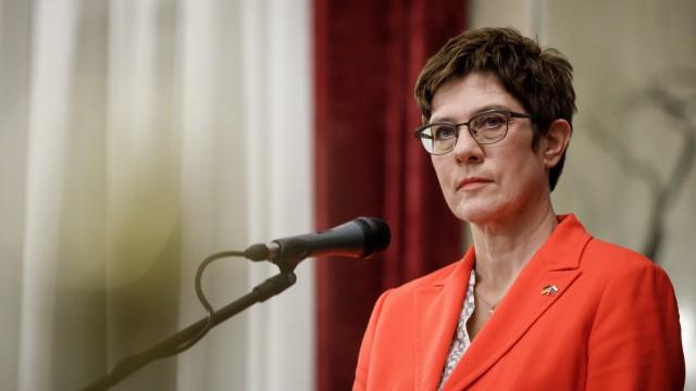 Verteidigungsministerin Kramp-Karrenbauer in Bulgarien