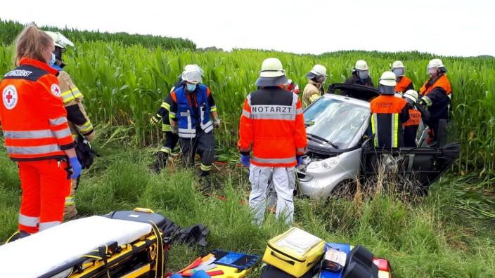 Verkehrsunfall zwischen Welshofen und Unterweikertshofen