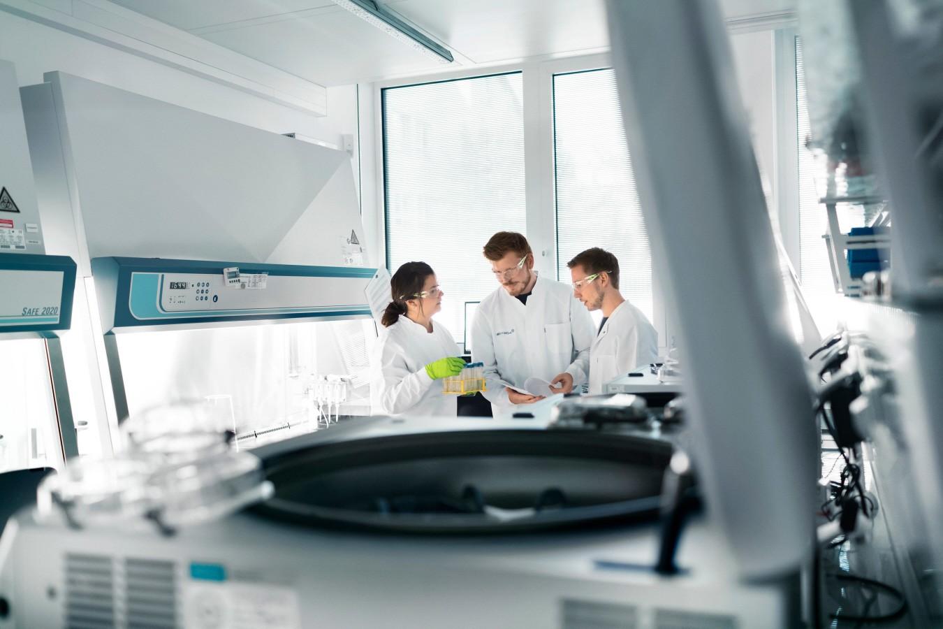 Vacuna Corona: laboratorio de la empresa Biontech de Mainz