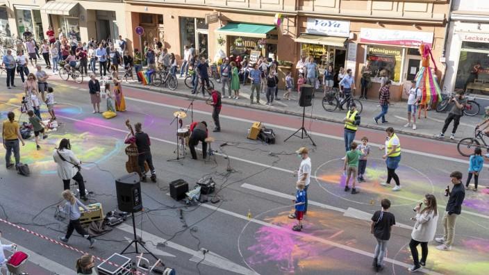 """""""Kulturlieferdienst"""" mit Konzert in München während der Corona-Krise, 2020"""